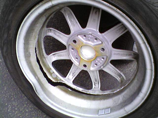Non Brabus Owners Have Issues Too Just Not As Often Broken Rear Pion Rim After Pothole Encounter