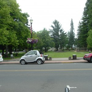 Lombard St  And Mcminnville
