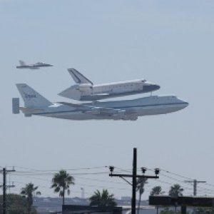 Endeavor On Final Approach At Lax